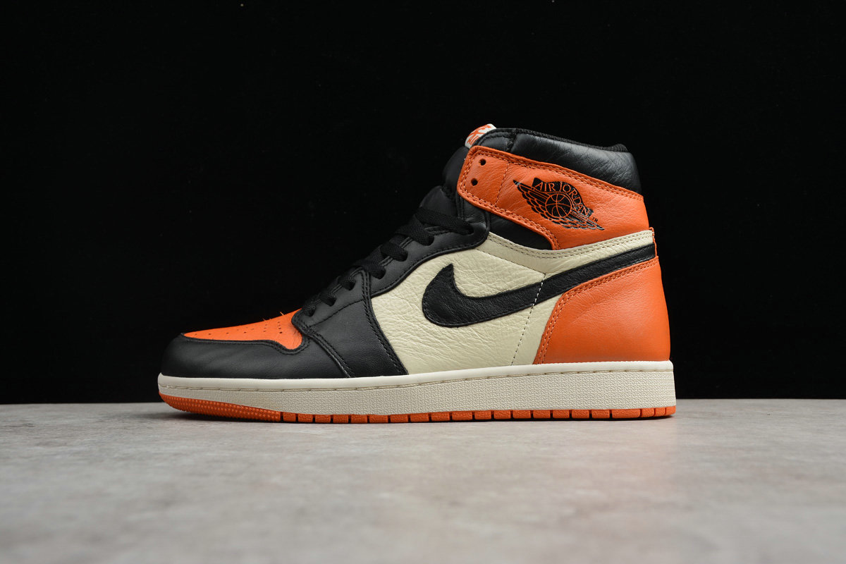 Cheap Nike Air Jordan 1 Retro High OG Back board 555088-005 Black Varsity Red Starfish Voile Etole DE Mer Noir