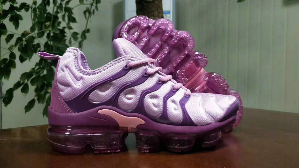 best service 02fa8 b0491 Womens Nike Adds Purple Grape Colors To The Vapormax Plus ...
