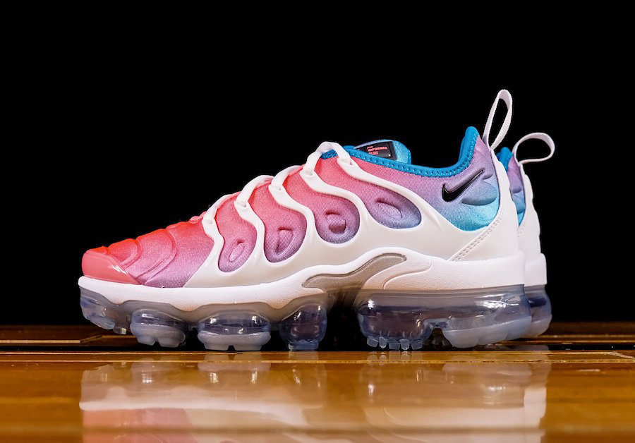 timeless design 0bc6b f6906 Womens Nike VAPORMAX PLUS DARK STUCCO + STRING RELEASE DATE ...